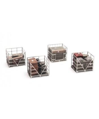 ARTITEC H0 387.222 – Gabbie in metallo su pallets con merci varie, resina 1:87