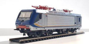 VITRAINS H0 2740 – Locomotiva E.464.124 Livrea Regionale DTR con display basso – FS Ep VI **DCC SOUND**